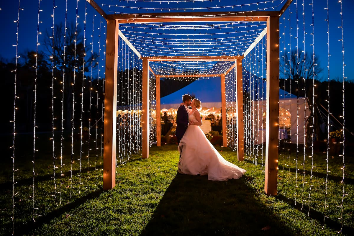 Outdoor marriage photoshoot